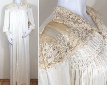 40s Tula Cream Lace Full Length Robe and Bias Cut Nightgown Set, Size XS to Small