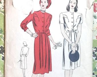 Vintage 1940's Women's Dress Sewing Pattern - Vogue 5654 - Size 14. Bust 32