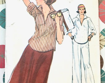 Vintage 1970's Women's Pullover Blouse, Skirt, and Straight-Leg Pants Sewing Pattern - Vogue 9710