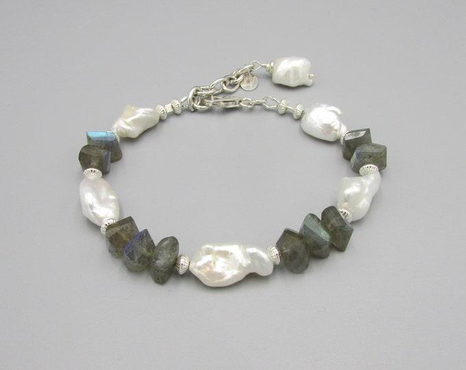 Keshi Pearl Bracelet, Labradorite Bracelet, White Keshi Pearls, Pearl Jewelry