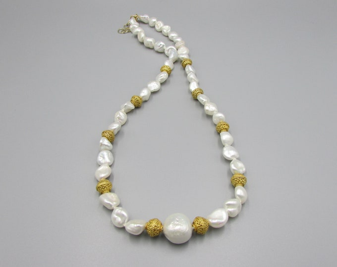 Pearl Necklace Knotted Gold