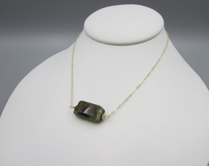 Labradorite Collar Choker Necklace | Simple Chain Choker |
