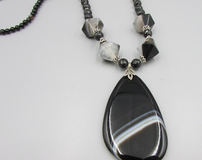 Black Agate Necklace | Bold Necklaces