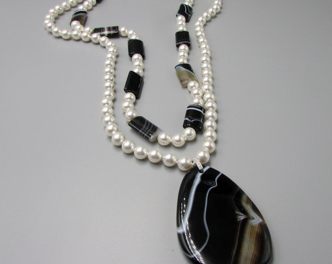 Pearl and Onyx Jewelry Set | Layering Necklaces
