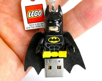 32GB USB 2.0 Flash Drive in original complete Lego® Superhero Minifigure Keychain Version