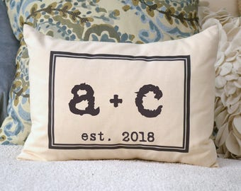 Personalized Couples pillow, 2nd personalized cotton anniversary, valentine, wedding gift pillow with date Feather Hen
