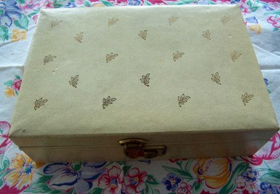 jewelry box / vintage  jewelry box