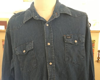 0282adef65358 Large Wrangler Button Up!