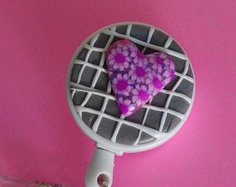 DAISY HEART - Polymer Clay Retractable Badge Holder