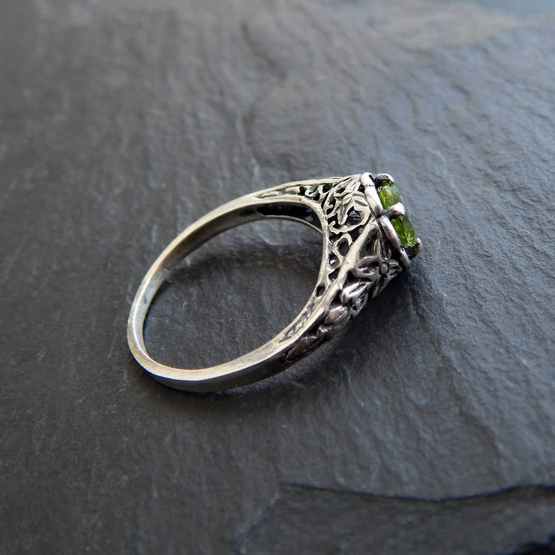 Sterling Peridot Ring: Sterling Silver and Genuine Peridot  image 0