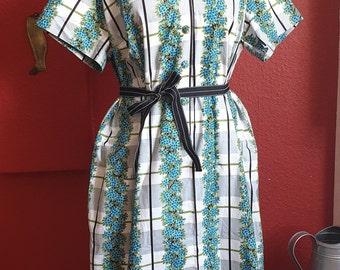 8e08a01d0 Vintage 1950s/60s Cotton Floral Stripe Picnic Perfect Daydress - Plus Size