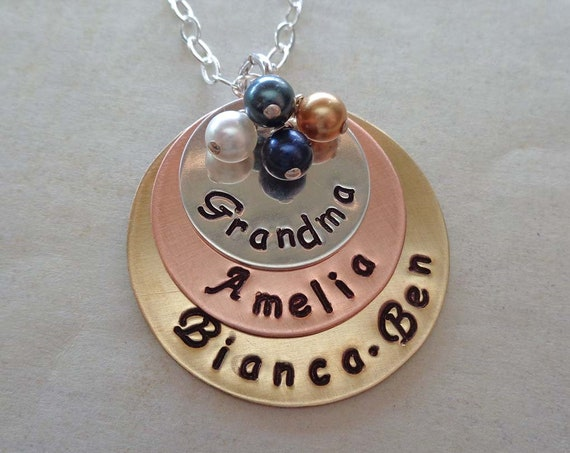 Personalized Grandma Necklace with Birthstones / Grandkids Names / Grammy Nana Gift / Mothers Day Jewelry