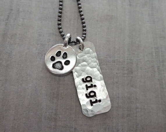 Pet Lover Gift Tag Necklace - Pet Memorial Jewelry - Custom Dog Cat Name - Personalized Pet Loss  - Pet Lover Jewelry - Paw Necklace