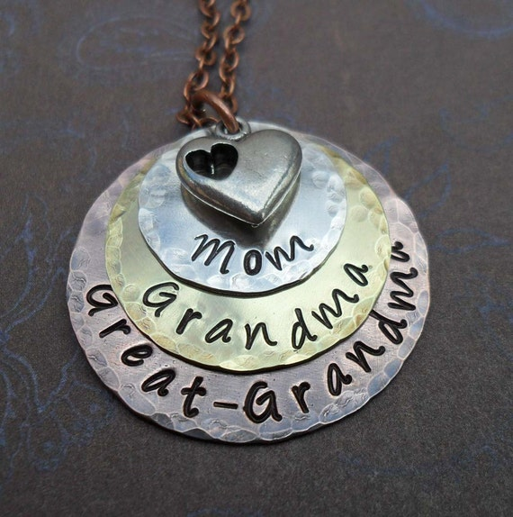 Mom Grandma Great-Grandma Necklace with Heart / Mothers Day Gift / Great Grandma Jewelry / For Grammy Nonna