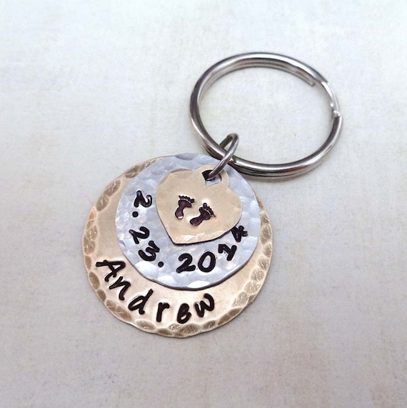 New Baby Personalized Gift - Custom Baby Name Date - Baby Shower Gift - New Mommy New Daddy New Baby -Baby Name Date Keychain
