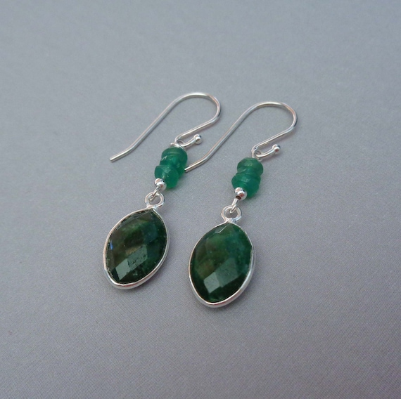 May Birthday Gift / Emerald Drop Earrings / May Birthstone Jewelry / Sterling Silver Emerald Gemstone Earrings