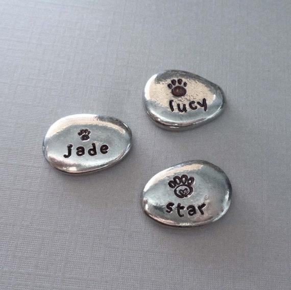 Pet Name Pocket Pebble / Memorial Cat Stone / Pewter Dog Name Pebble / Personalized Pocket Pebble / Custom Pet Name