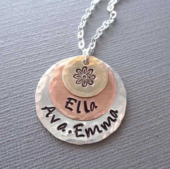 Personalized Flower Necklace / Custom Name Jewelry / Gift for Nana Mom / Daisy Jewelry