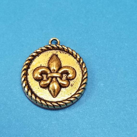 Fleur De Lis Charm//Pendant Tibetan Antique Gold 22mm  15 Charms Accessory Crafts