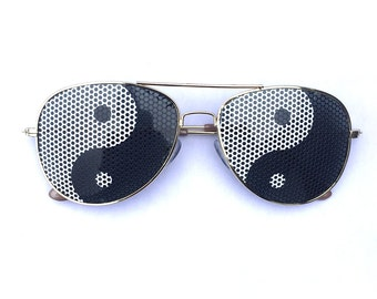 Yin and Yang Graphic Polarized Aviator Party Festival Sunglasses