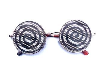 Black and White hypnotic dizzy swirl round Lennon styles sunglasses