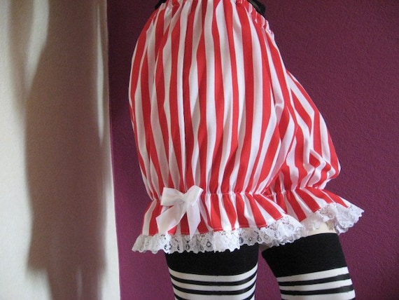 Red and black striped short legged bloomers
