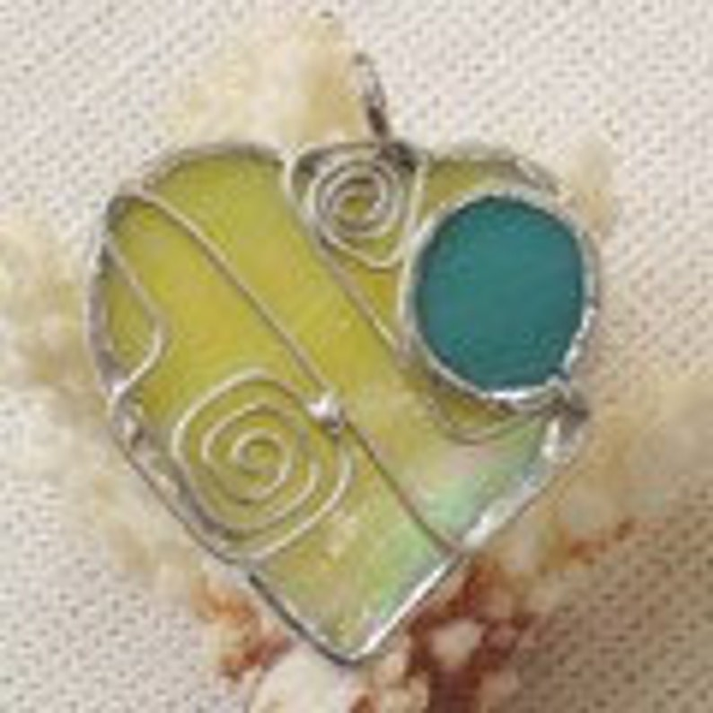 Dazzling Heart Shaped Pendant in Yellow Iridescent Stained image 0