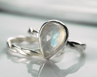 Moonstone Engagement Ring with Band - Rainbow Moonstone Ring - Faceted Moonstone Ring - Unique Engagement Ring - Moonstone Wedding Set