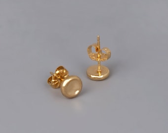 14K Gold Studs, 9K Gold Earrings, Solid Rose Gold Stud Earrings, Small Coin Studs, Circle Disc Earrings, Pebbel Earrings, Delicate Earring