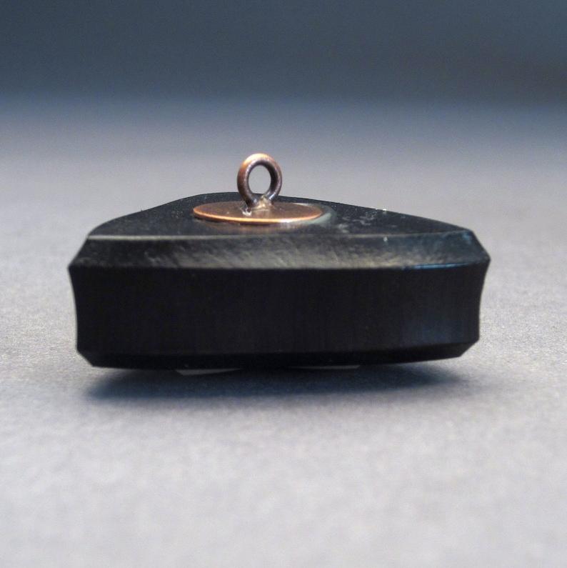 Blackwood Triangle Button