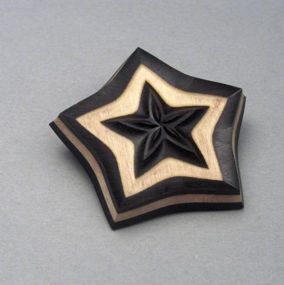 Multi Layered Paper Star Button