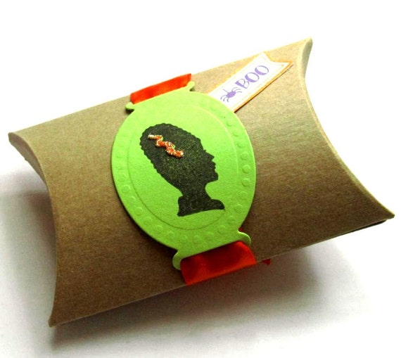 10 Halloween Pillow Boxes - Hand stamped - Mrs Frankenstein - Trick or Treat - Bag