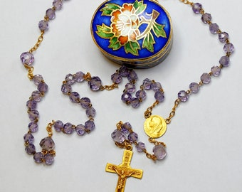 1930'S Rare Solid 18K. Gold and Faceted Amethyst Rosary Late Art Deco in Cloisonné and Enamel Box.