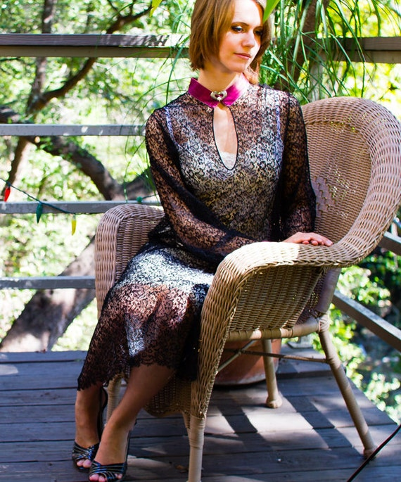 CHANTILLY LACE FLAPPER Dress with Velvet Trim