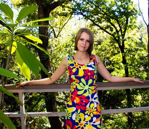 70s Flower Power Mini-Dress - image 2