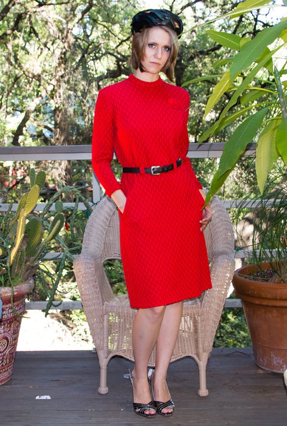 Vintage RED Knit Dress with 40s Look. - image 2