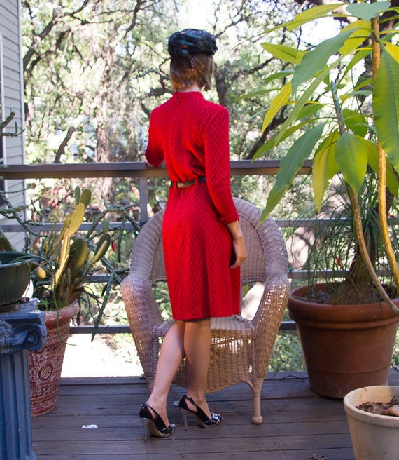 Vintage RED Knit Dress with 40s Look. - image 3