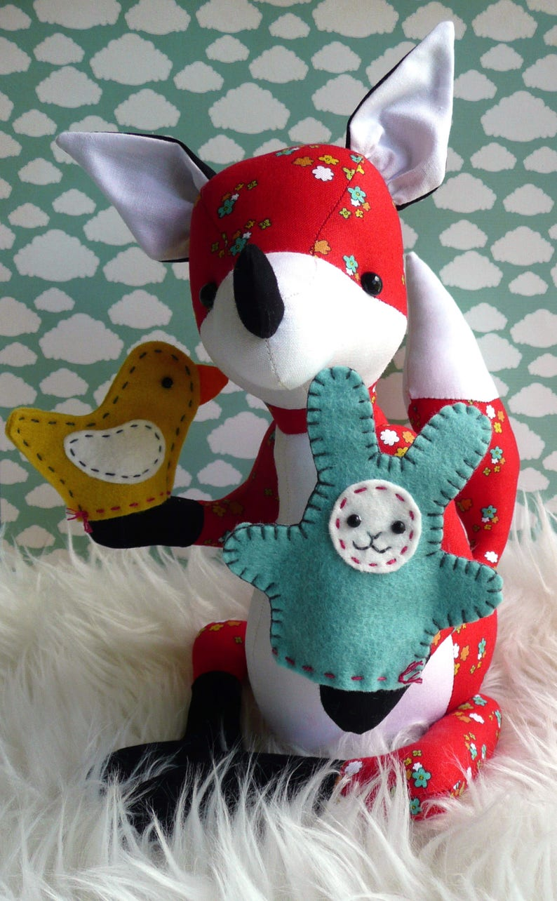 Franklin Fox and his homemade puppets PDF sewing pattern image 0