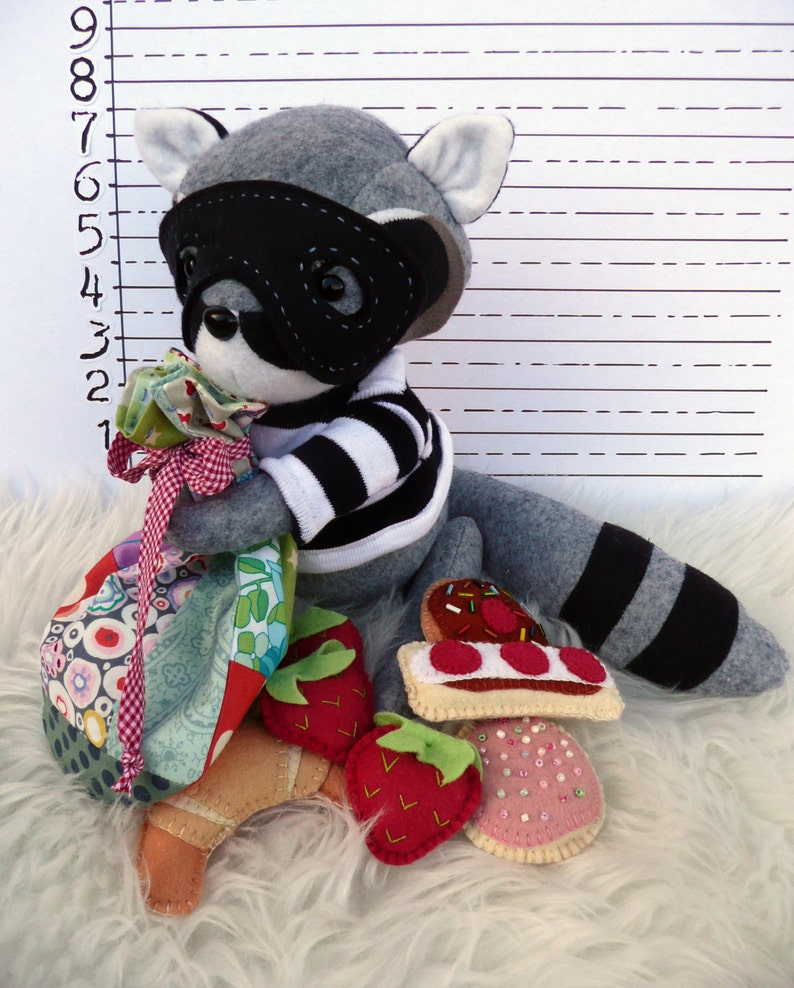 Robbie the Raccoon PDF Sewing Pattern image 0