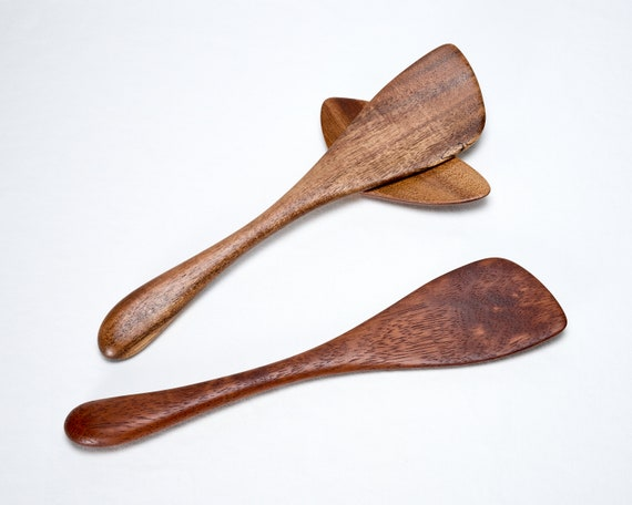 Traditional Spatula - Left or Right Hand - Wood Spurtle featured image