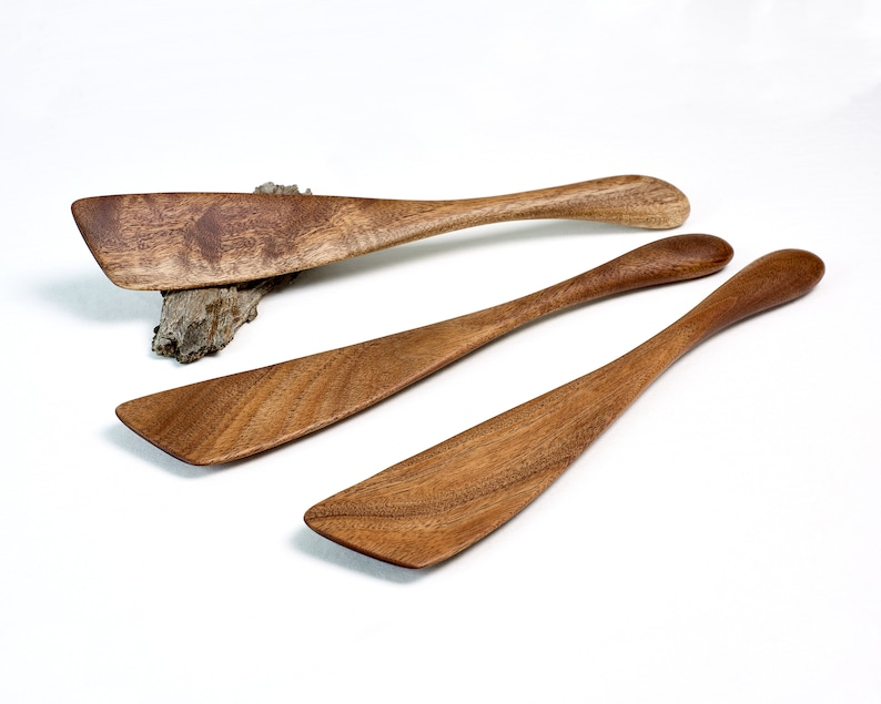 The Flat Spat  Left or Right Hand  Wood Spatula Spurtle image 0