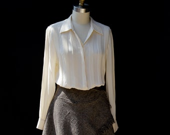 550071454349aa Vintage Ivory Pure Silk Pin-tuck Blouse
