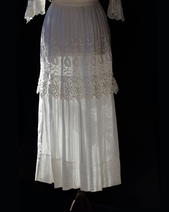 Edwardian White Cotton Dress / Embroidered Lace A… - image 8