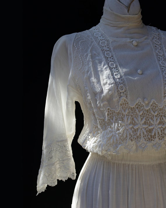 Edwardian White Cotton Dress / Embroidered Lace A… - image 3