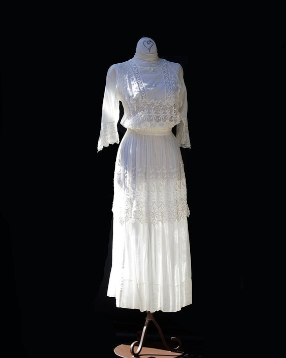 Edwardian White Cotton Dress / Embroidered Lace A… - image 4