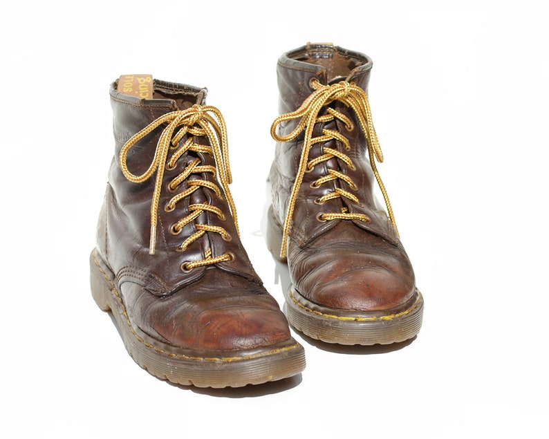 1f11fc95a6316 Vintage Women's Brown Leather Ankle Boots / size 9