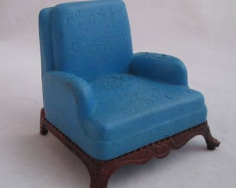 Vintage RENWAL Dollhouse Chair, Hard Plastic Blue Floral Embossed Arm Chair  Furniture 1940's Dollhouse Furniture Keystone Dollhouse Chair