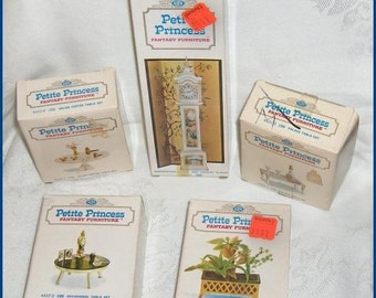 Empty Petite Princess Display Boxes   Lot of 5 Collectible Vintage Boxes