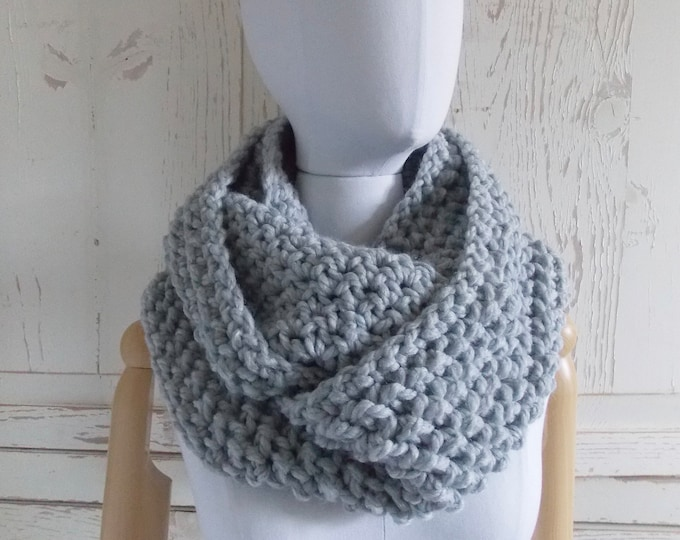 Featured listing image: Infinity Loop Scarf | Style #1039 | Light Gray