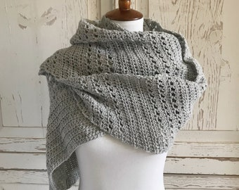 Soft Wool Triangle Wrap : Light Gray